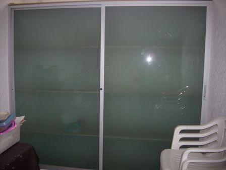 Puertas para closet en cristal ventanas de aluminio for Closet de aluminio